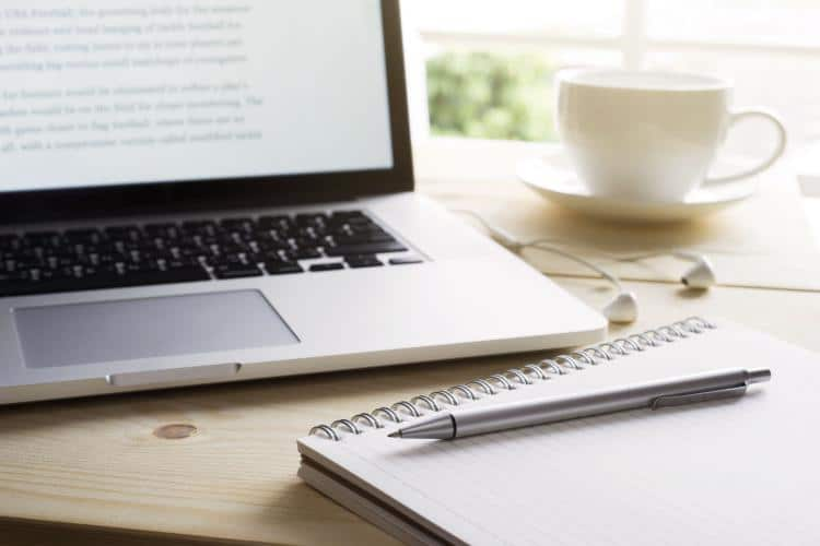 4 Reasons Why You Should Hire a Content Writer