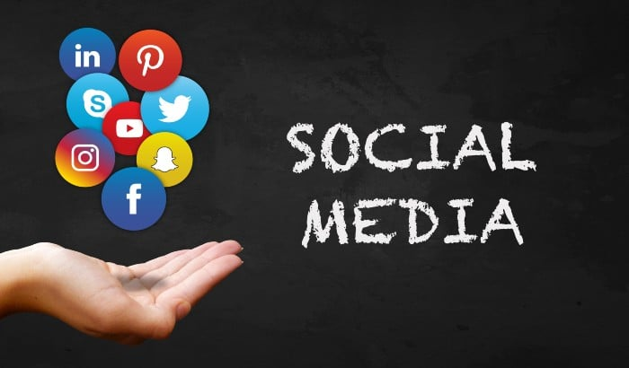 Make Your Business Stand out on Social Media this Holiday Season